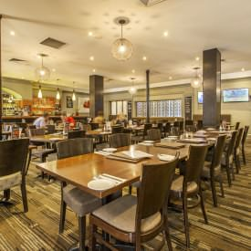 Grab A Delicious Dinner Deal At The Eltham Hotel Bistro